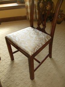 Столът е като нов